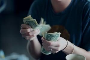 livingpaychecktopaycheck-moneymangement-financialfuture